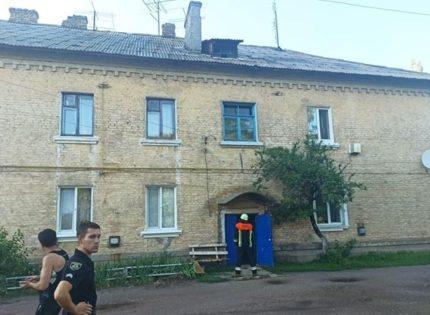 На Киевщине рухнула крыша многоквартирного дома
