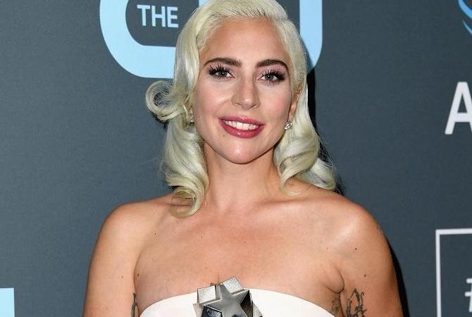 Леди Гага стала подружкой невесты на свадьбе своего визажиста