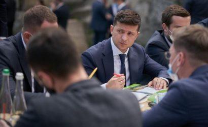 Зеленский предложил отменить въездные визы для туристов и создать в каждой области » туристический магнит»
