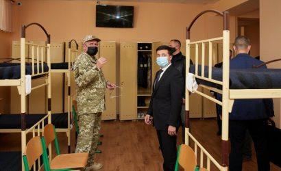 Зеленский прибыл на Луганщину: Посетил военный лицей и физкультурный центр (Фото)