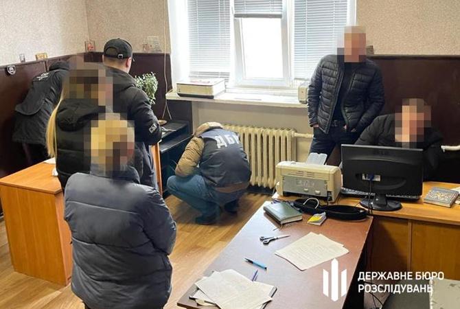 На Днепропетровщине разоблачили банду полицейских, которые «выбивали» с людей деньги