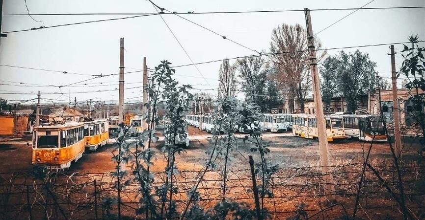 Печальное зрелище: В Луганске показали трамвайный парк (Фото)