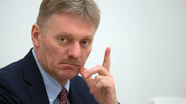 Песков: передача кораблей Украине не связана с международным трибуналом