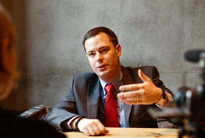 Американский политтехнолог Джейсон Джей Смарт: Трамп зол на Украину, но ему выгодно помочь вам