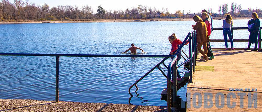Бархатный сезон на Славкурорте: В озерах до сих пор купаются (70 фото)