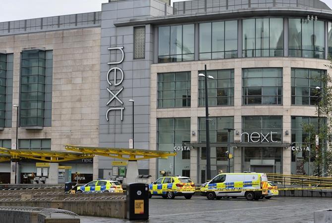 В Манчестере преступник с ножом напал на посетителей Starbucks