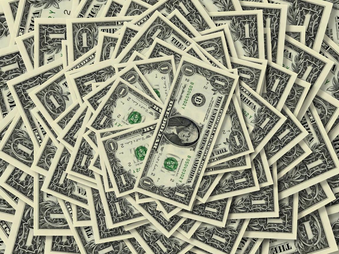Милованов рассказал о двух сценариях по курсу доллара