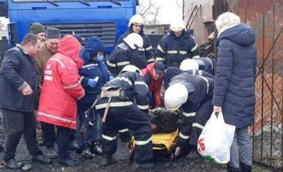 На Николаевщине достали из-под плиты мужчину, которого привалило во время взрыва школьной котельной