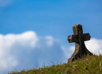 В Одесской области мужчина надругался над могилой, чтобы отомстить покойнику