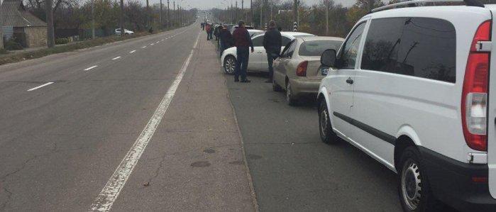 Около 320 авто и автобусы: В ОБСЕ сообщают о больших очередях на КПП «ДНР»