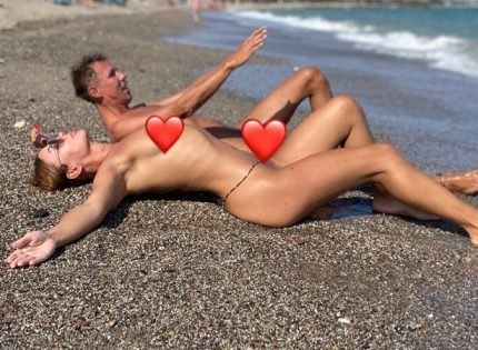 Алексей Панин и его жена отдохнули на нудистком пляже после долгой разлуки