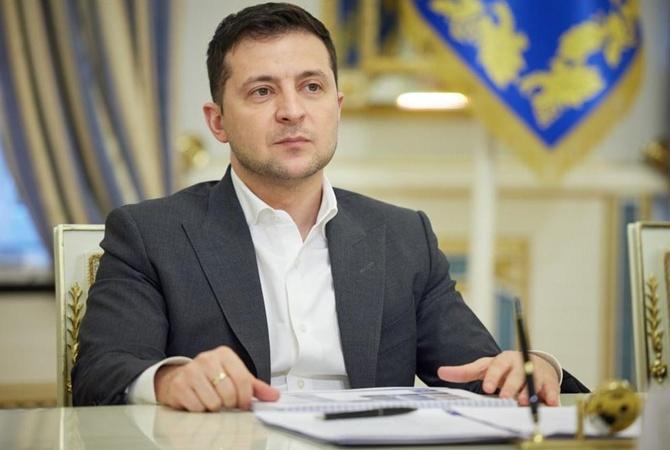 Владимир Зеленский ввел в действие санкции против Фирташа и Фукса