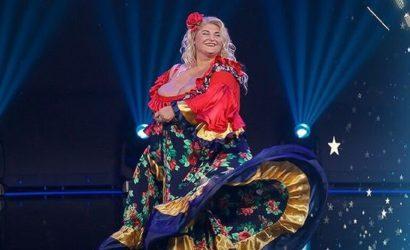 Девушка с самой большой грудью пришла на «Україна має талант» станцевать цыганочку