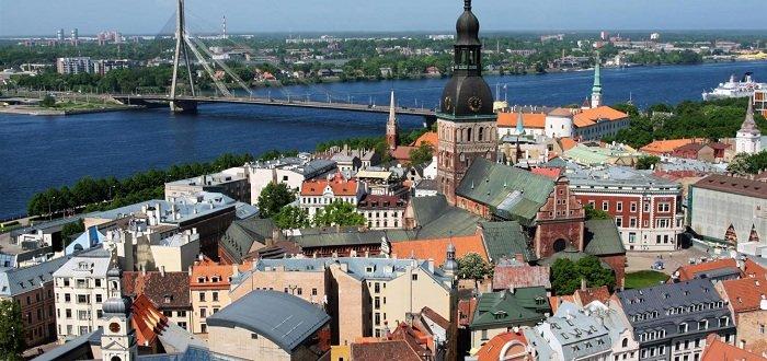 Зеленский с официальным визитом посетит Латвию