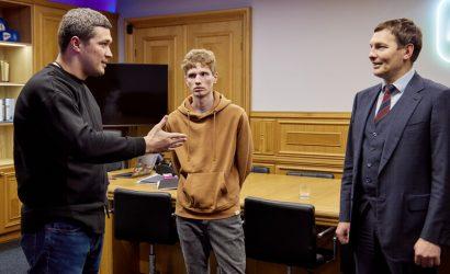 По просьбе МВД: 21-летнего разработчика фальшивой «Дії» взяли на работу в Минцифры