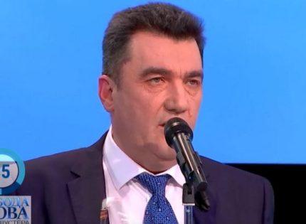 Данилов: из Уханя не может выехать 51 украинец — город заблокирован войсками