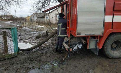 Четырем областям Украины грозят подтопления