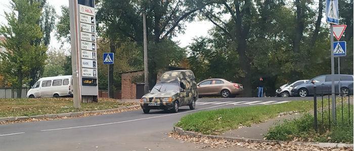 ДТП в Донецке: В районе остановки «Гараж» столкнулись легковые автомобили (Фото)