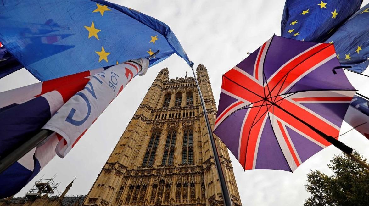 Евросоюз официально утвердил отсрочку Brexit