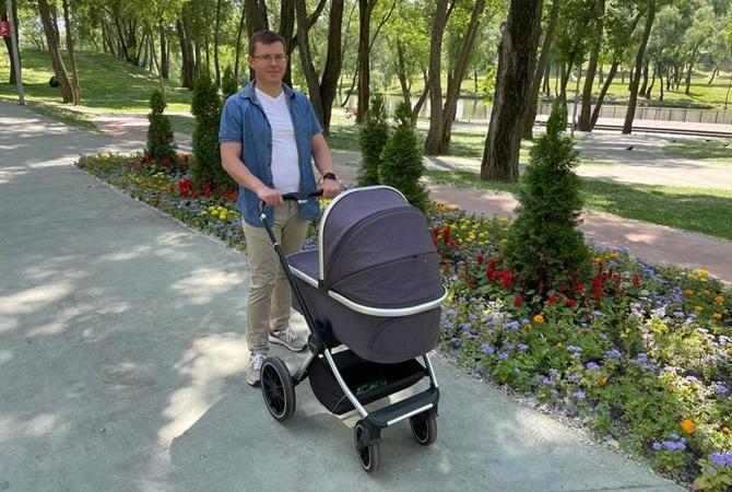 «Слуга народа» Павел Фролов ушел в декретный отпуск