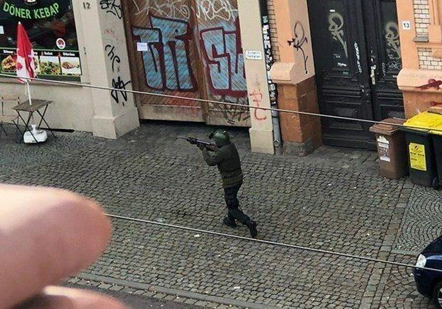 Убийца из Галле вел онлайн-трансляцию своей стрельбы