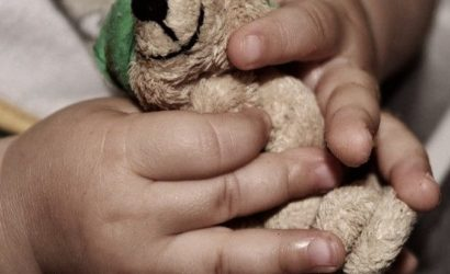 Владелицу нелегального детского сада Запорожья подозревают в умышленном убийстве годовалого ребёнка