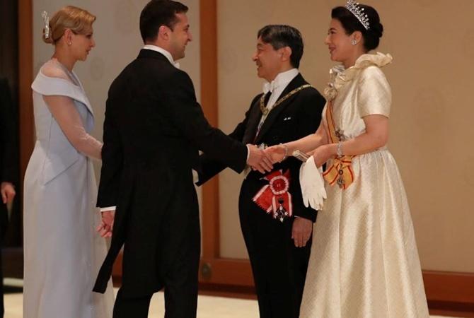 Елена Зеленская попросила сшить для приема в Японии платье-смокинг