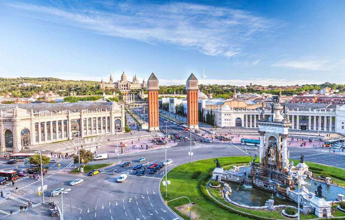 Консульство призвало украинцев не посещать центр Барселоны