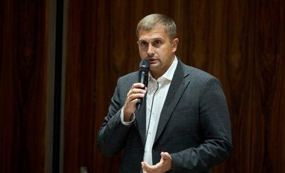 """Кандидатом """"Слуги народа"""" на довыборах в Раду официально стал губернатор Херсонской области"""