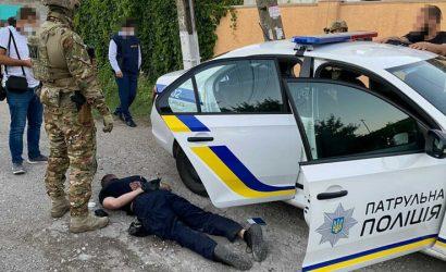 «Выбивали» деньги и сбывали наркотики: На Донетчине будут судить полицейскую ОПГ