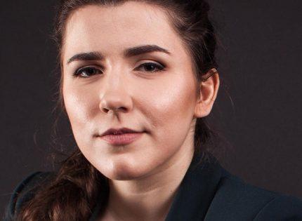 Губернатор Коваленко вакцинировалась от коронавируса, несмотря на кормление грудью