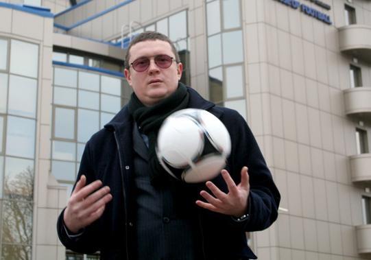 Спортивный юрист Илья Скоропашкин: Первый матч сборная может провести, заклеив пластырем надпись