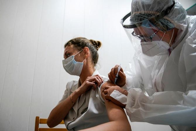 За сутки в Украине вакцину Pfizer получили 366 человека