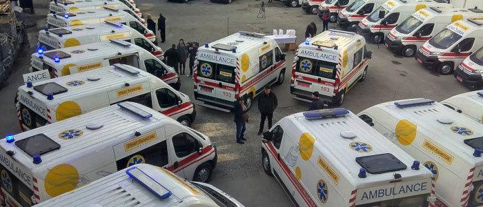 Фонд Рината Ахметова передал медикам уже 139 машин «скорой помощи»