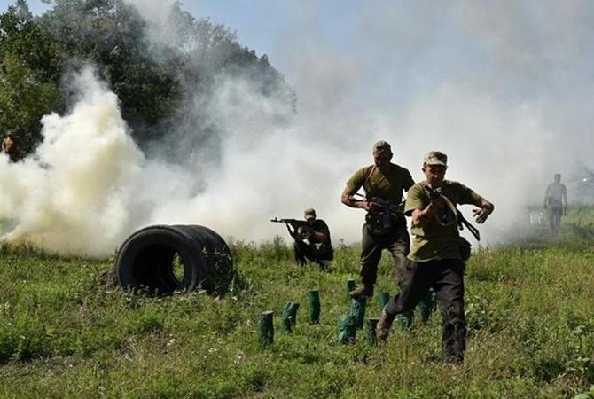 На Донбассе под обстрелами погиб еще один военный