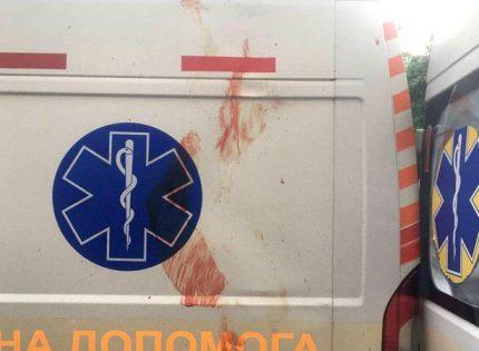 В Ровно мужчина избил сестру и выпрыгнул с 7 этажа на машину «скорой»