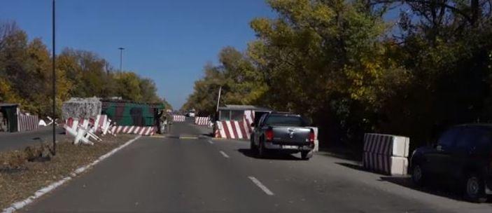 Пенсионерам-переселенцам: В «Донбасс SOS» пояснили, фиксируют ли пересечение линии разграничения в выходные дни