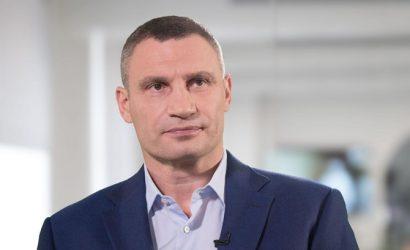 """Кличко выиграл иск к """"1+1"""": переехавшие на «2+2» """"Гроші"""" должны удалить сюжет, которого уже нет"""