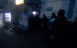 В соцсети показали очередь к банкомату в «ДНР» (Фото)