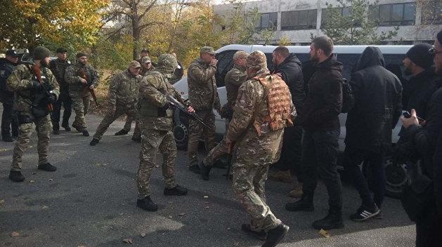 Полиция: Нацкорпус вывез оружие из Золотого