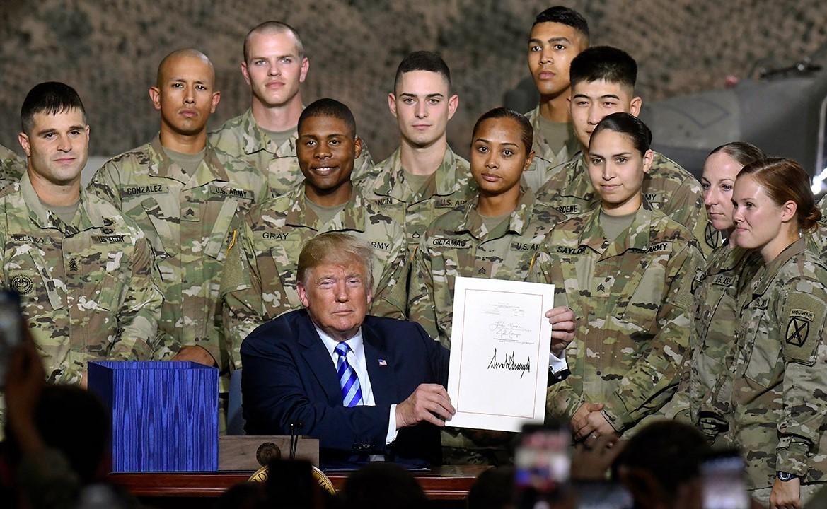 Трамп: США разрабатывают потрясающее оружие
