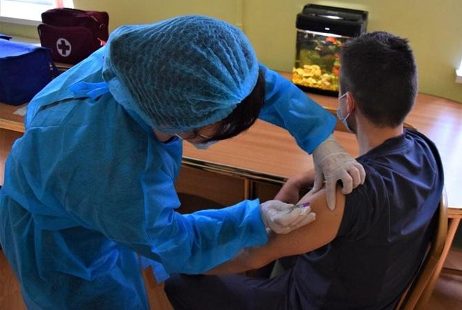 На вакцинацию в Украине выделили дополнительные 6.5 миллиардов, которые просил Степанов