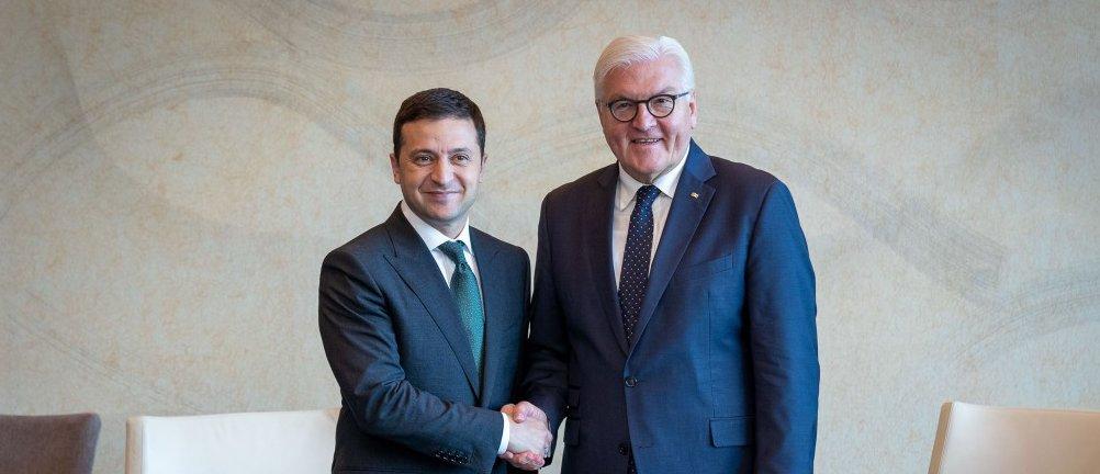 Зеленский и Штайнмайер обсудили ситуацию на Донбассе