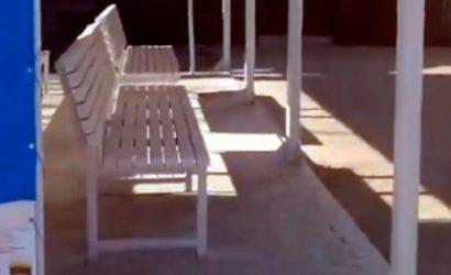 На закрытом КПВВ «Майорское» появился навес с лавочками (Видео)