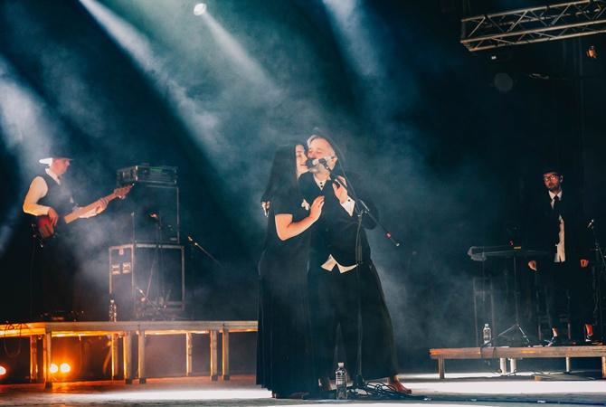 Сергей Бабкин спел вместе со своей женой Снежаной