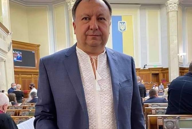 """Княжицкий назвал Безуглую """"лгуньей"""": Нардепы подписали допуск к гостайне, прежде чем зайти на заседание по вагнеровцам"""