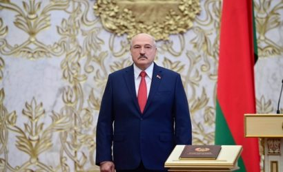Лукашенко ответил Макрону — предложил Минск для передачи власти «желтым жилетам»