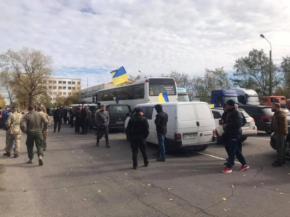 В Нацкорпусе заявляют о задержании 200 побратимов на Донбассе