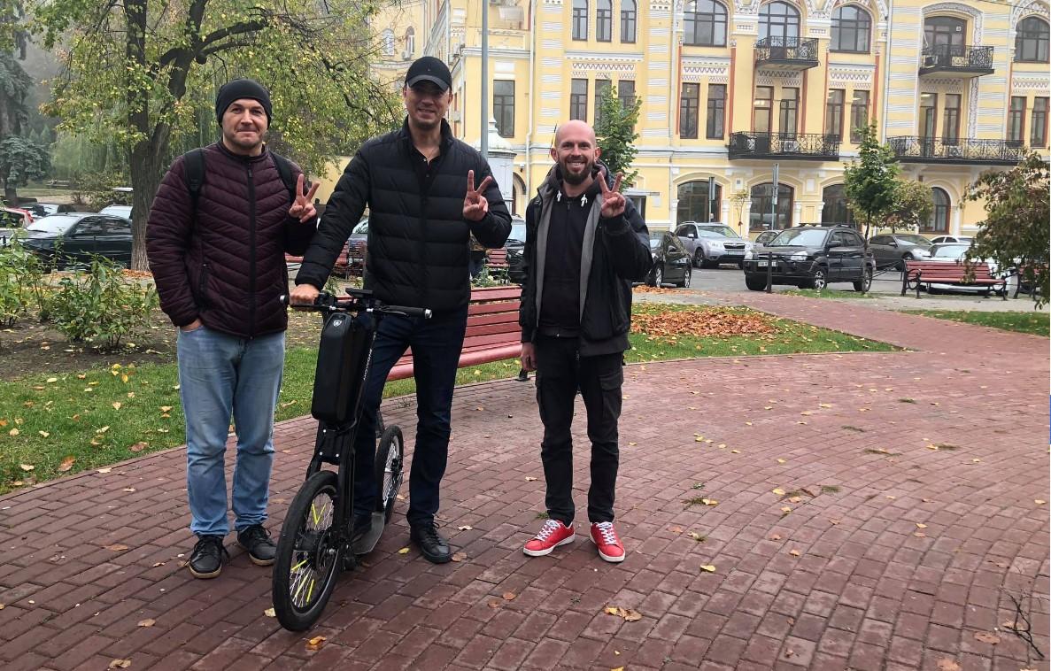 Омелян начал рекламировать украинскую гуляйногу