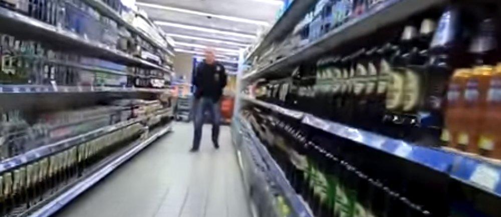 Россиянин рассказал, чем закончилась съемка цен в магазине в Луганске (Фото)